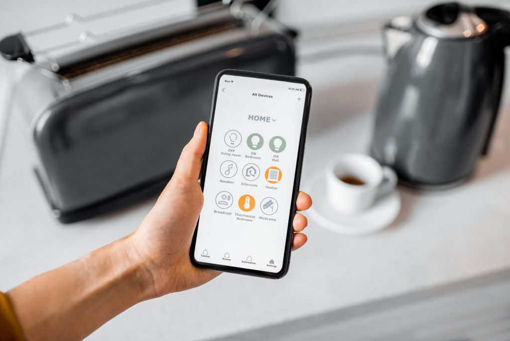 Controlling smart kitchen appliance with mobile application
